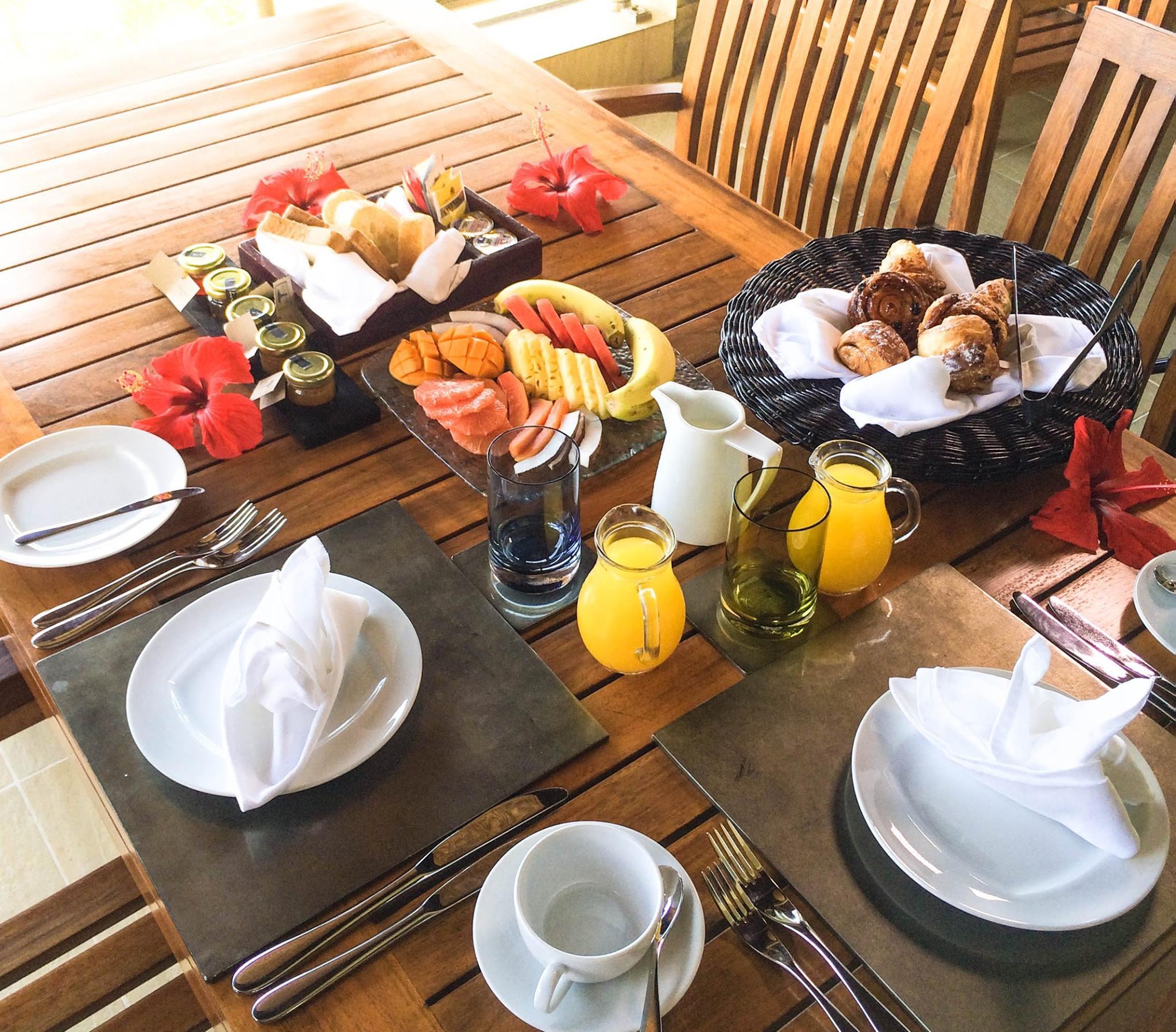 Breakfast at Anahita