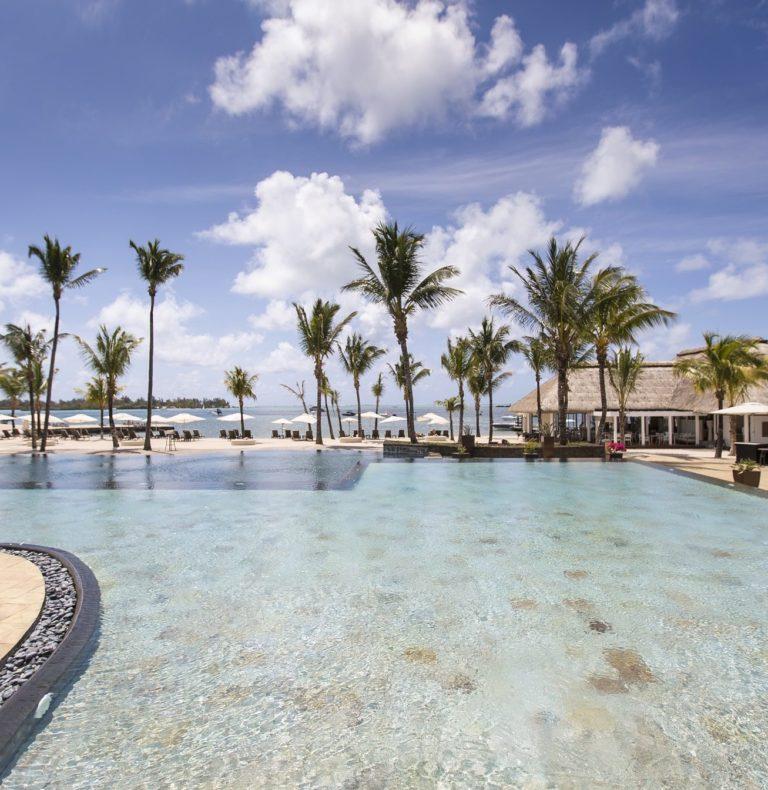 Anahita Resort - main pool